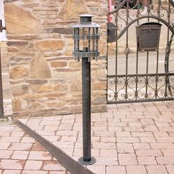 Sockelleuchte zur Beleuchtung von Zugangswegen, Gärten und Parks