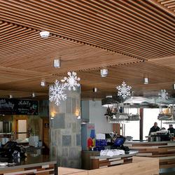 Restaurant in der Tatra mit origineller und luxuriöser Beleuchtung – Chopok Rotunda – Lampen aus Edelstahl