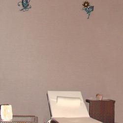 Sanfte Design-Beleuchtung unterstützt die Entspannung im Wellnessbereich eines Hotels in der Tatra