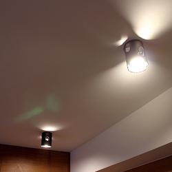 Stilvolle Beleuchtung der Küche in einem Einfamilienhaus mit Deckenleuchten IDEAL – kunstvolle Leuchten